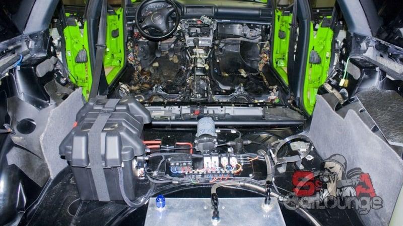 Комплексная химчистка автомобиля Audi RS4. Обработка салона, подкапотного пространства, работа с дисками и подвеской