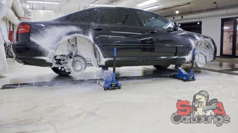Мойка пневмоподвески автомобиля Audi A8D3. Снятие подкрылок, обработка отдельных деталей и финишная консервация результата