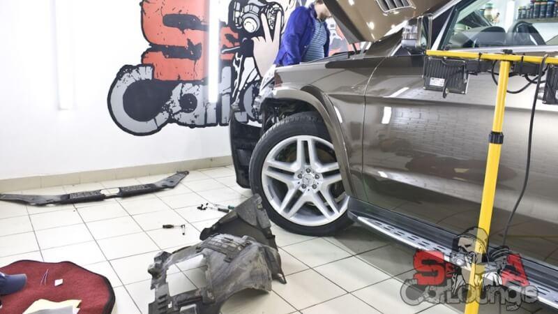 Комплексная чистка Mercedes-Benz GL. Полировка кузова и финальное нанесение керамического состава для защиты результата