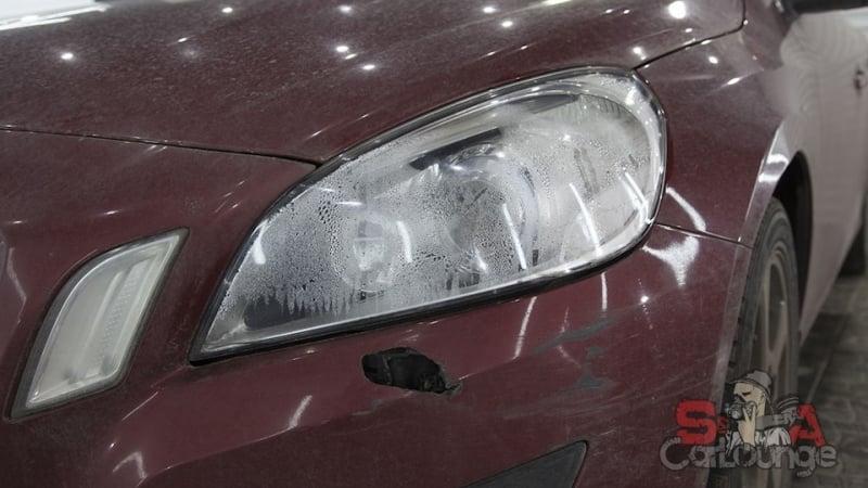 Комплекс услуг для автомобиля с поврежденной оптикой. Полный разбор передних фар с последующей чисткой, шлифовкой, защитой и установкой.