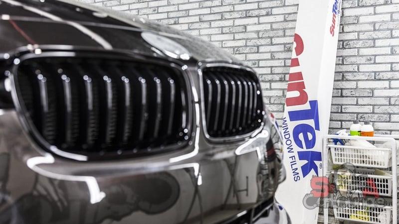 Комплексное обслуживание нового автомобиля. Нанесение защитной пленки SunTek PPF, полировка, обработка салона и оклеивание передней оптики.Тонировка задней полусферы.