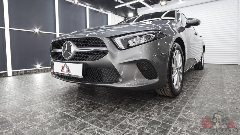 Автомобиль Mercedes A-Class оклеены защитной пленкой. Использование LLumar PPF Gloss для бампера, дверей, порогов и всего кузова