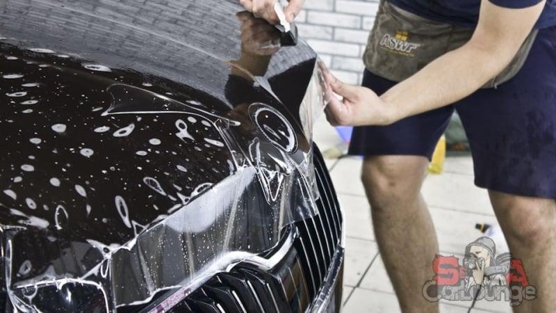 Защита кузова новенького автомобиля Skoda Superb. Применение полиуретановой антигравийной пленкой SunTek PPF, а также нанесение керамики Everglass.