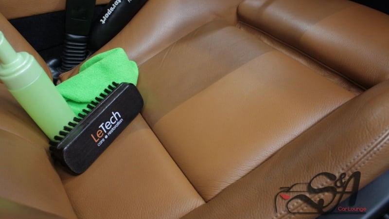 Чистка сидений из кожи