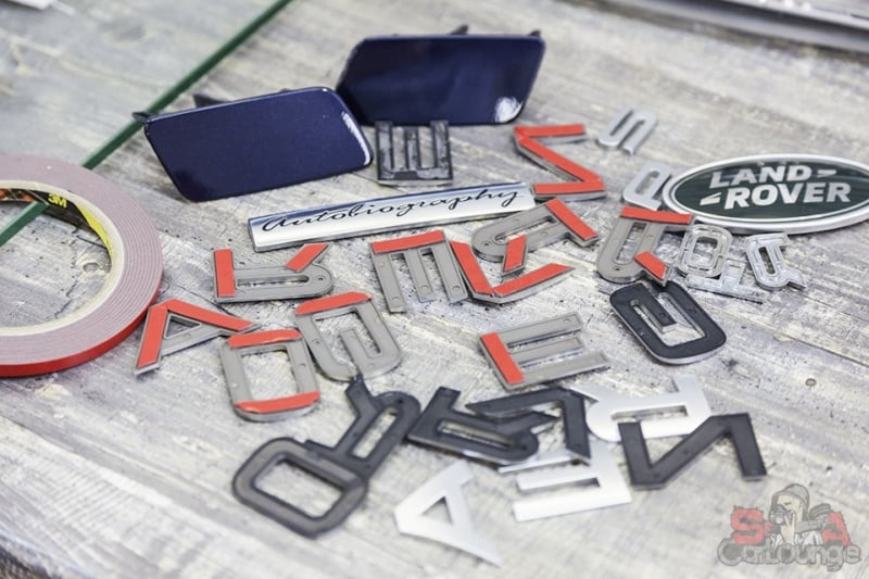 шильдики и буквы